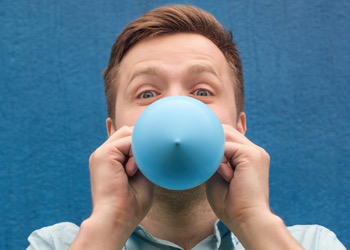 specialty-balloon-printers-blow-up-by-mouth